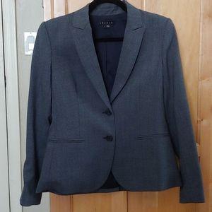 Theory size 6 gray short jacket